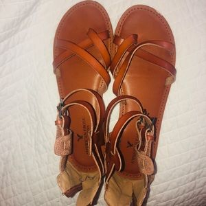 🤩🤩 WORN ONCE AMERICAN EAGLE SANDALS